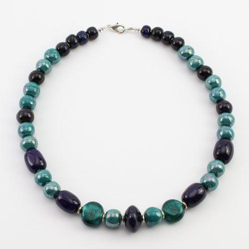 Fairer Schmuck aus Keramik – Türkis bei Nacht-Halskette