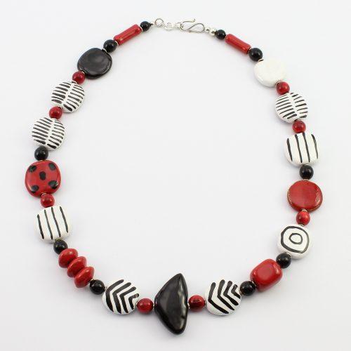 Fairer Schmuck aus Keramik – Mikado-Halskette