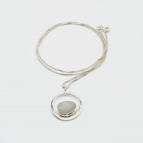Halskette Silber mit Kieselstein-Anhänger